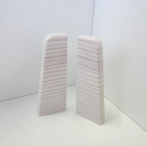 2 Abschlusskappen für Sockelleiste K58 - Weiß mit Struktur, leicht gräulich